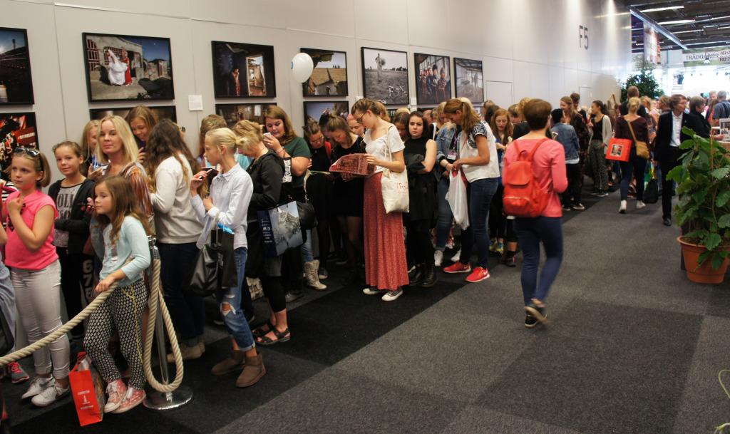 Bloggerskan Clara Henry drog störst publik till sitt seminarium. Kön ringlade långt bort mot ingången. Nära hälften av kön fick inte plats.
