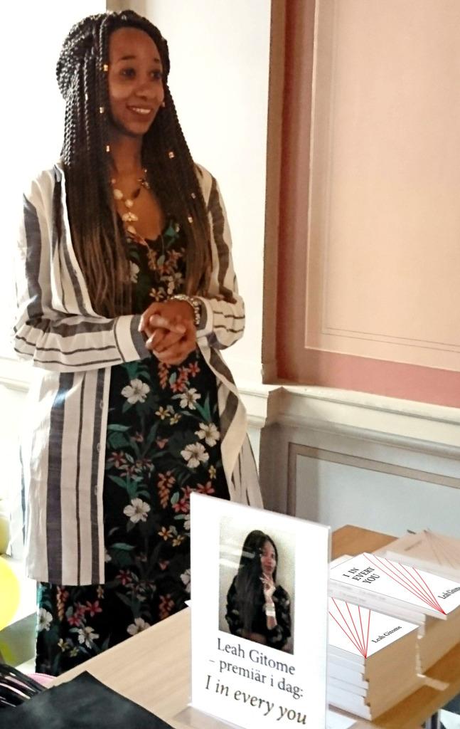 Leah Gitome signerarde böcker i Stadshuset, Sundsvall.